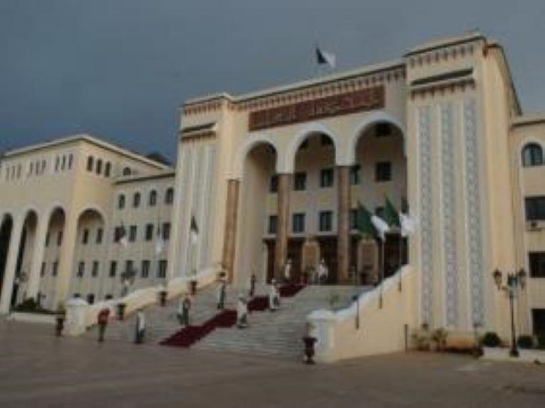 الجزائر- نقابة القضاة ترد على زغماتي بعد توقيفه قاضيين وإنهاء مهام وكيل للجمهورية — TSA عربي