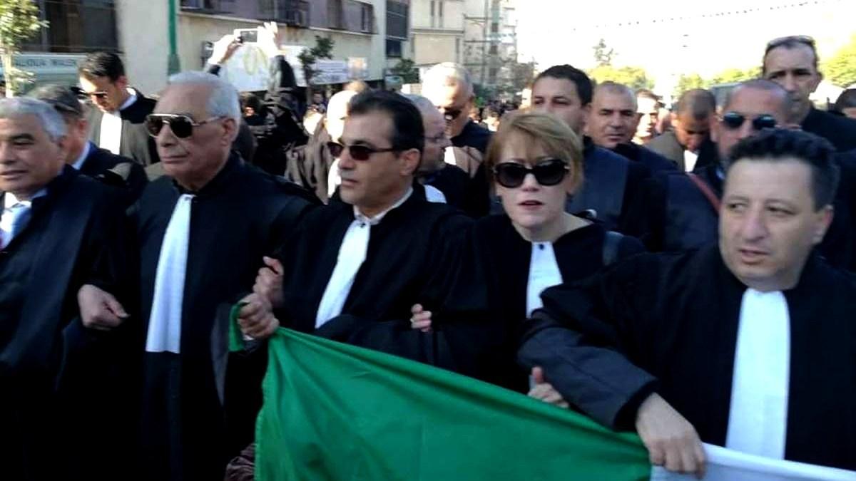محامو الجزائر يعودون للشارع في حراك جديد — TSA عربي