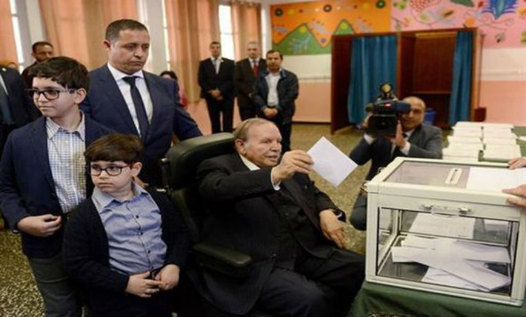 Législatives : Abdelaziz Bouteflika a voté à El Biar (Alger)