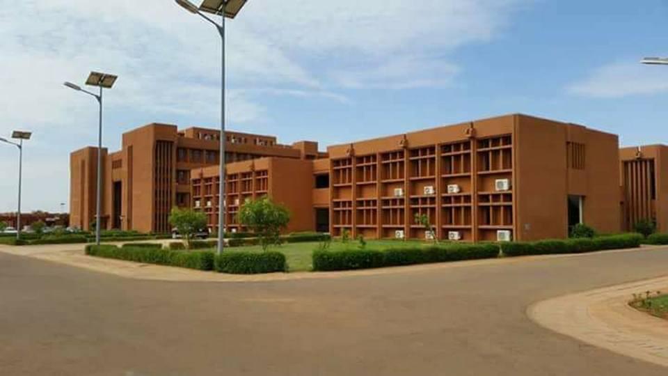 LE VRAI DU FAUX : le Niger vient-il de se doter d'un grand hôpital  ultramoderne ? — TSA
