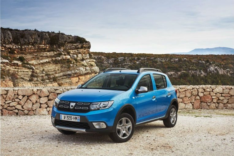dacia sandero stepway le crossover accessible tsa. Black Bedroom Furniture Sets. Home Design Ideas