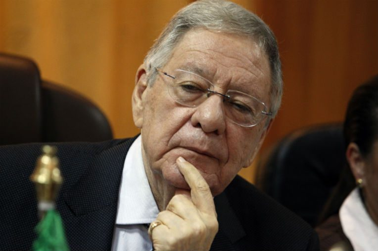 Un membre du FLN élu président de l'Assemblée — Algérie