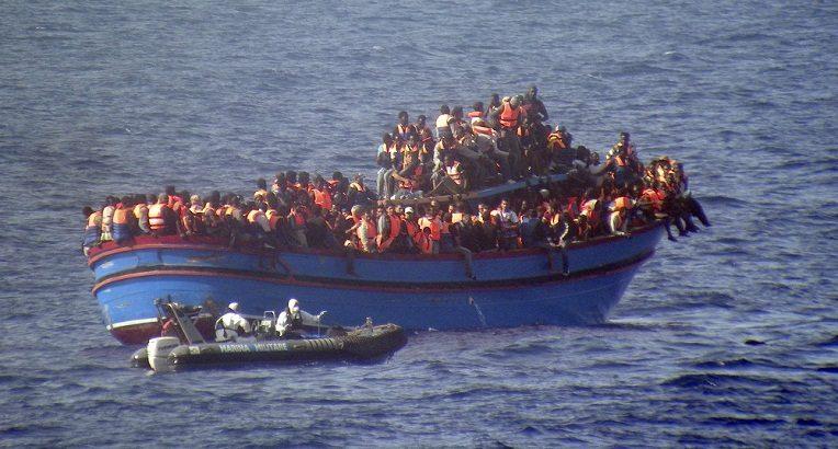 comment l europe veut bloquer l arriv e des migrants africains depuis la libye tsa. Black Bedroom Furniture Sets. Home Design Ideas