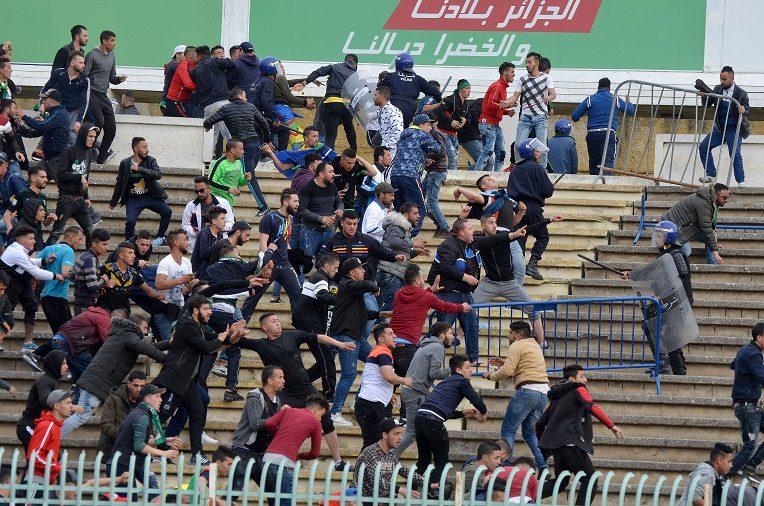 La Ligue de football annonce des mesures contre les violences dans les stades